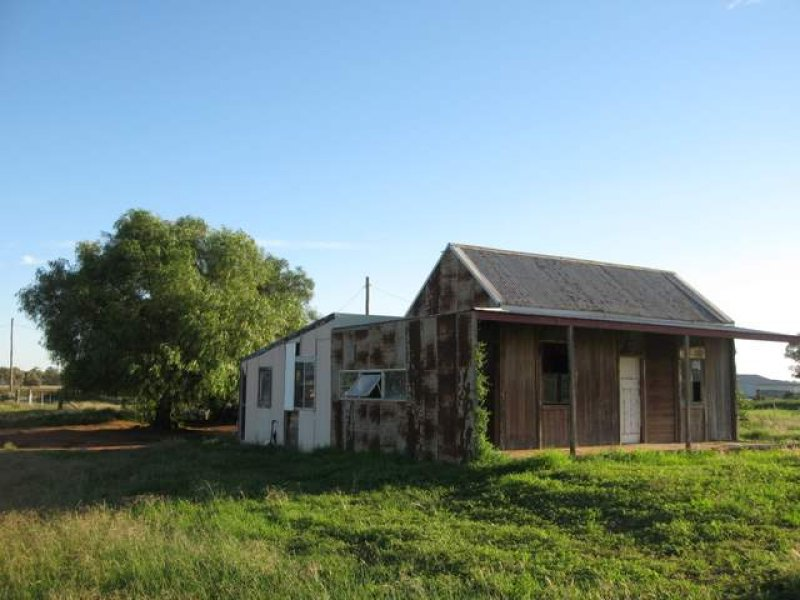 11 Station Street, Bogan Gate, NSW 2876