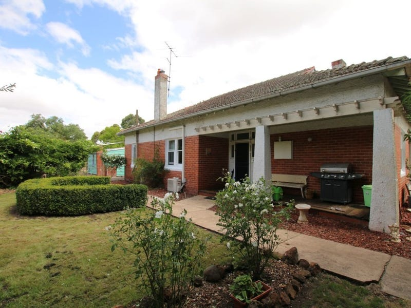 65 Darlington Road, Mortlake, Vic 3272