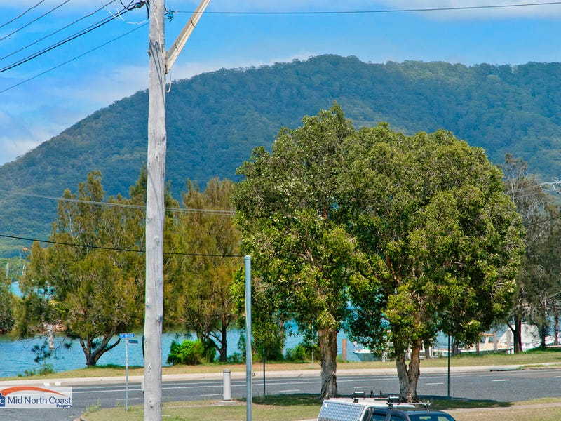 1/2 Woodford Rd, North Haven, NSW 2443