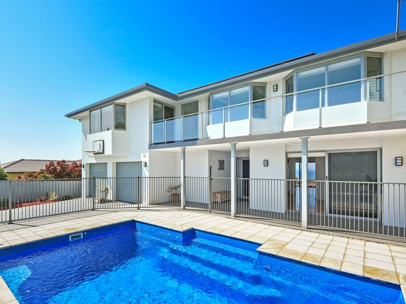 16 Dent Crescent, Port Macquarie, NSW 2444