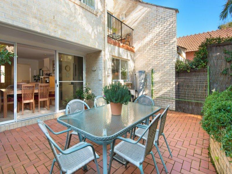 2/8 Woolcott Street, Newport, NSW 2106