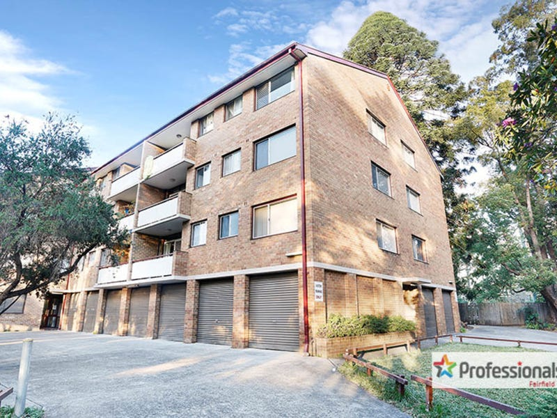 31/127 The Crescent, Fairfield, NSW 2165