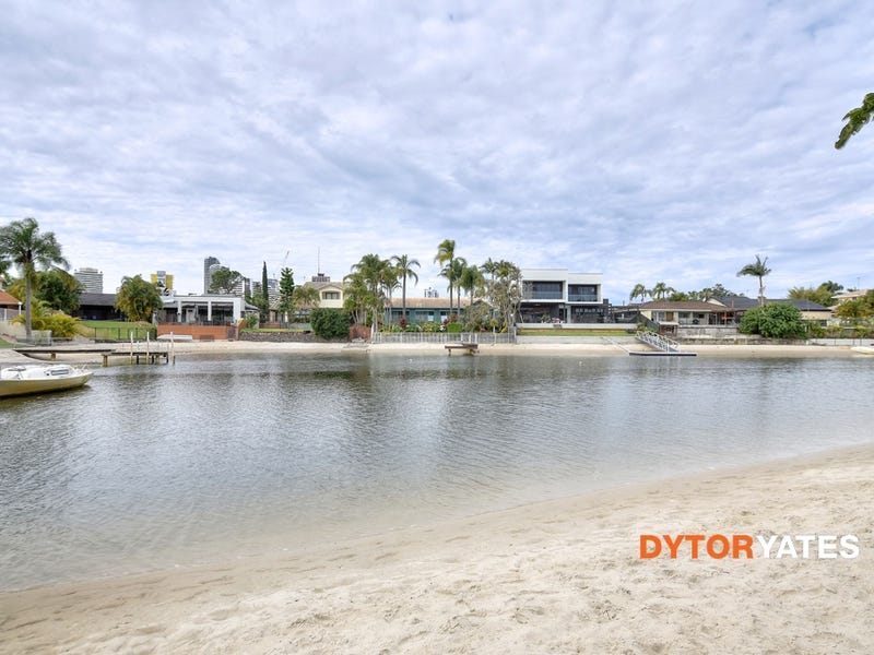 84 Clear Island Rd, Broadbeach Waters, Qld 4218