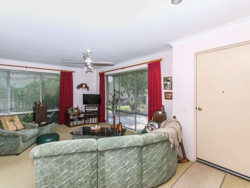 4 Ivanhoe Place, Gosnells, WA 6110