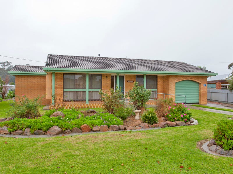 4 Fahey Crescent, Culcairn, NSW 2660