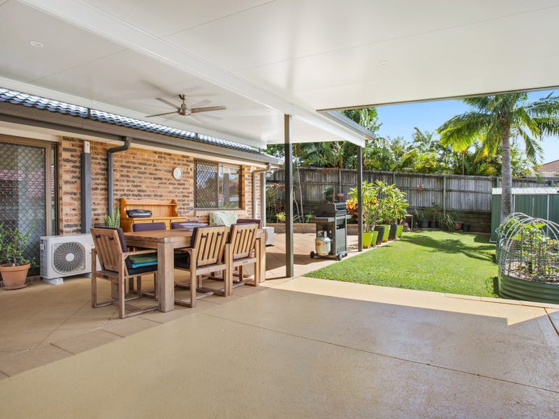 2/215 Government Road, Labrador, Qld 4215