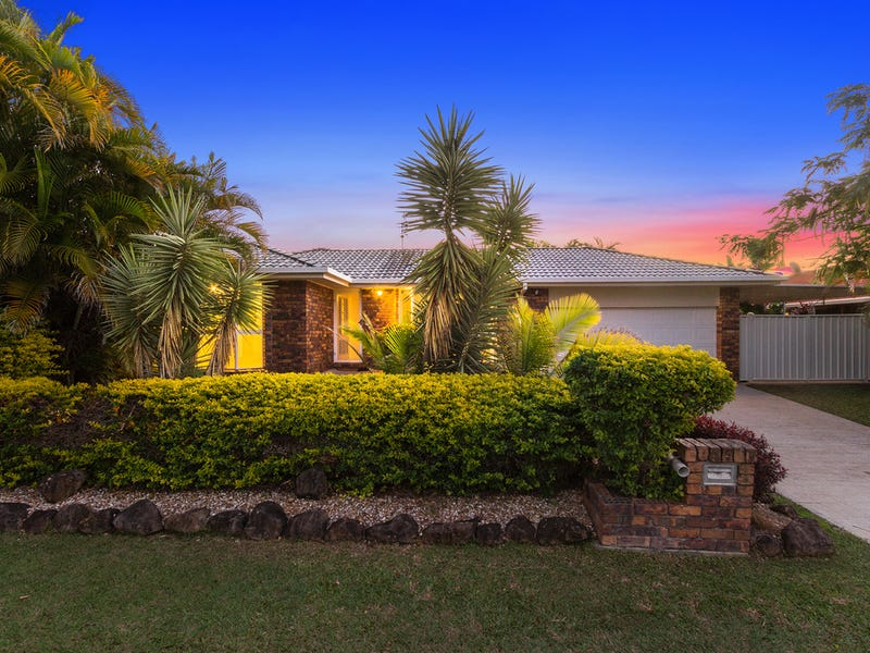 4 Honeymyrtle Drive, Banora Point, NSW 2486