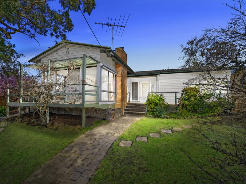 11 Chesterfield Court, Newtown, Vic 3220