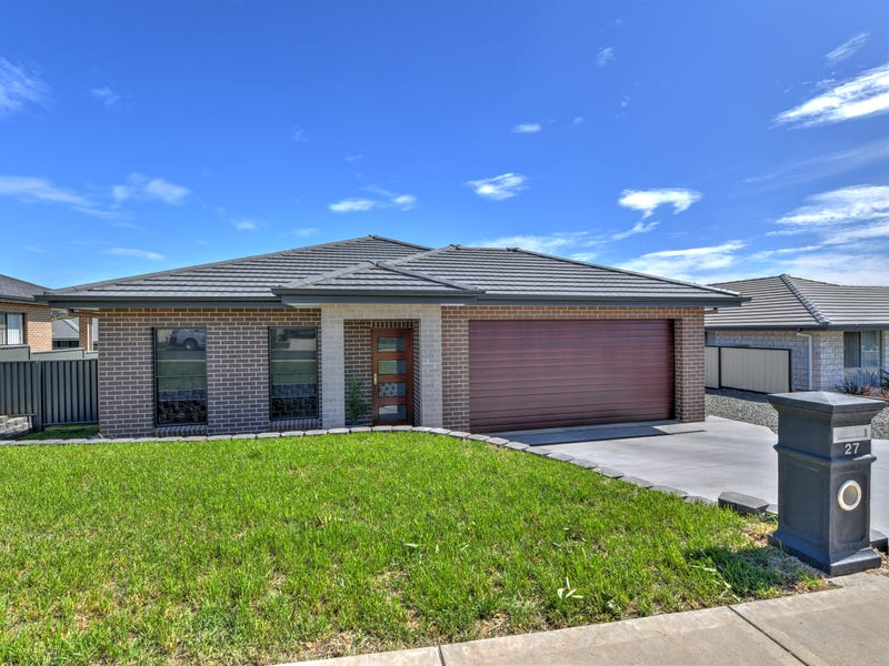 27 Falcon Drive, Tamworth, NSW 2340