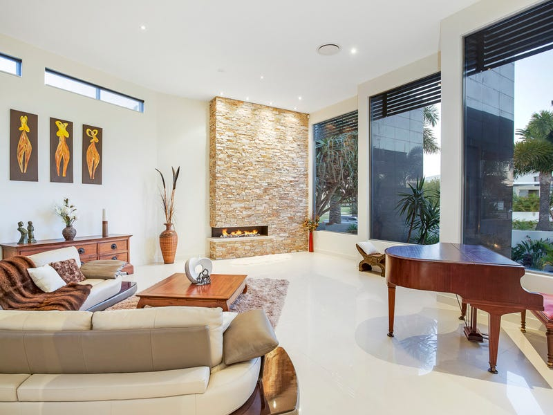 64 The Sovereign Mile, Sovereign Islands