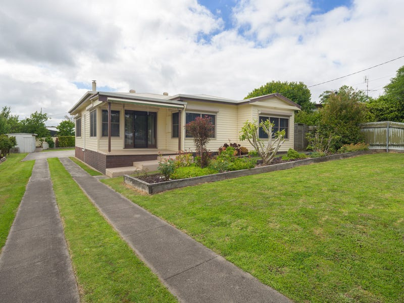 18 Hospital Road, Timboon, Vic 3268