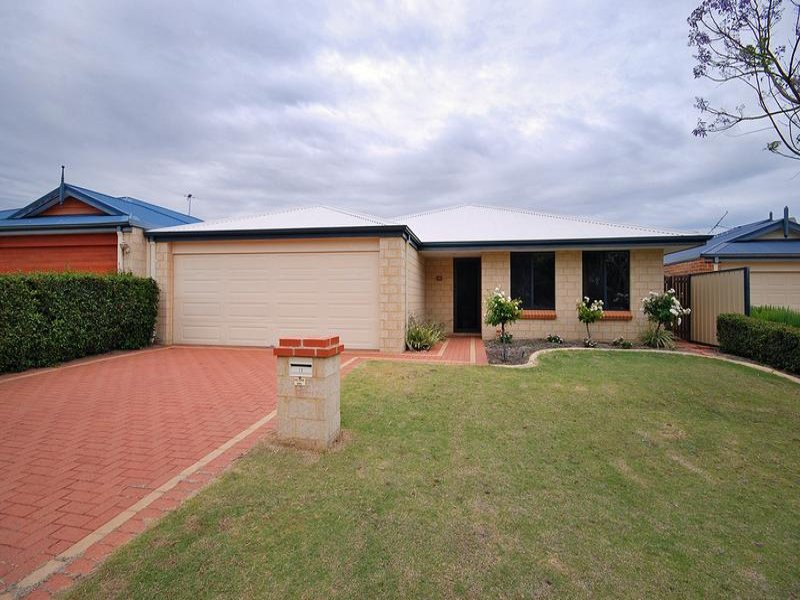 12 Tableland Way, Carramar, WA 6031