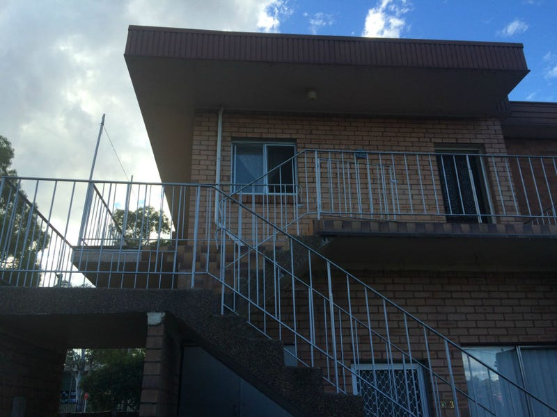 4/3 Lehn Road, East Hills, NSW 2213