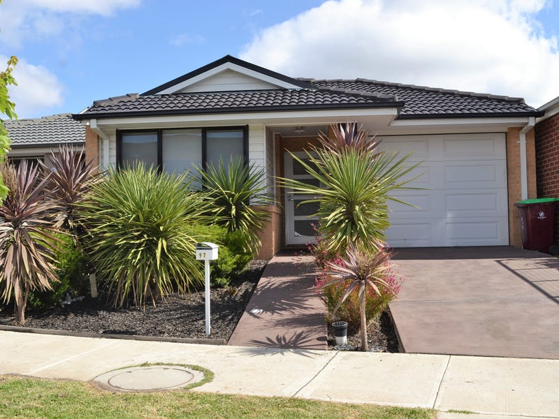 97 Green Gully Road, Clyde, Vic 3978