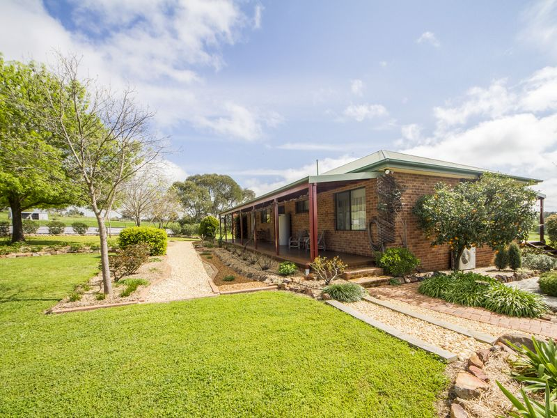 169 Square Road, Canowindra, NSW 2804