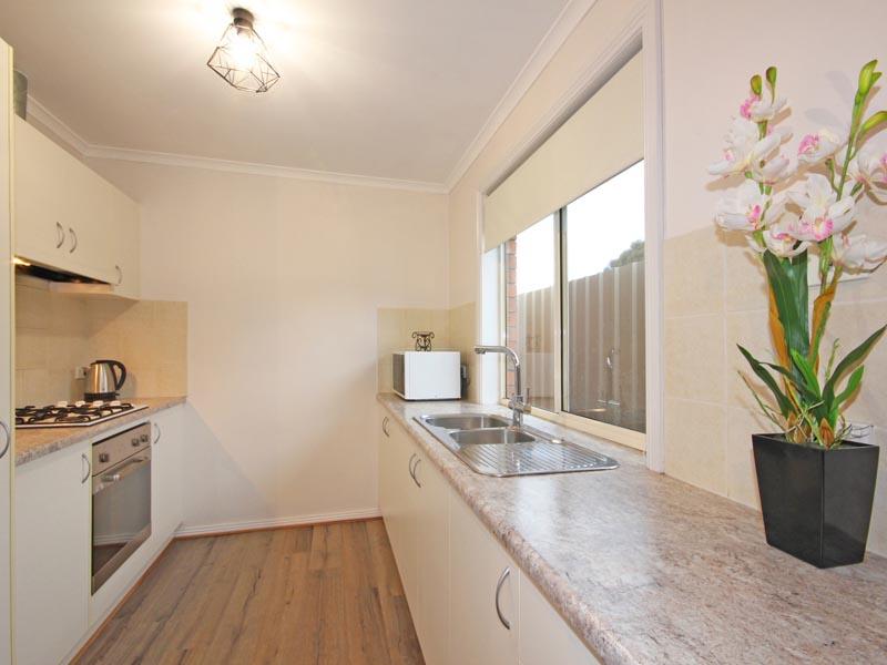 2/6 Booth Avenue, Morphett Vale, SA 5162