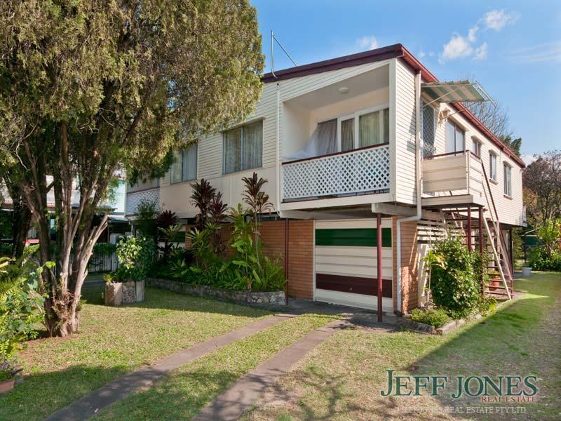 99 Cavendish Road, Coorparoo, Qld 4151