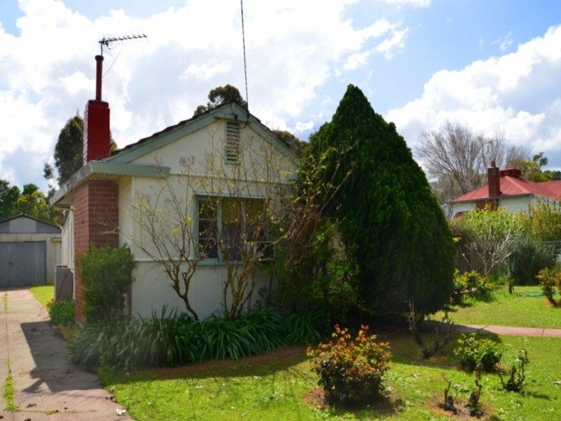 16 Church Street, Kelmscott, WA 6111