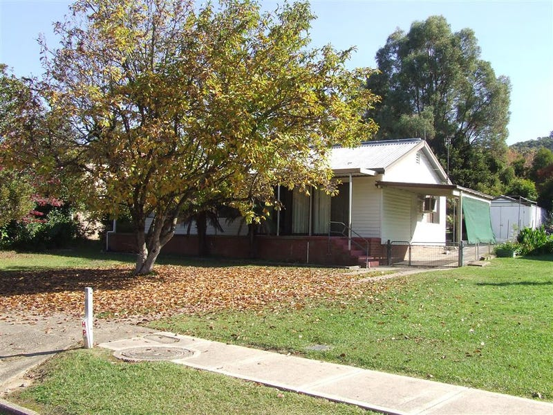 11 Douglas st, Khancoban, NSW 2642