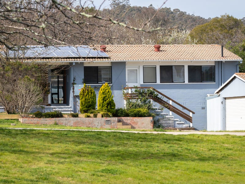 14 Leycester Place, Charnwood, ACT 2615