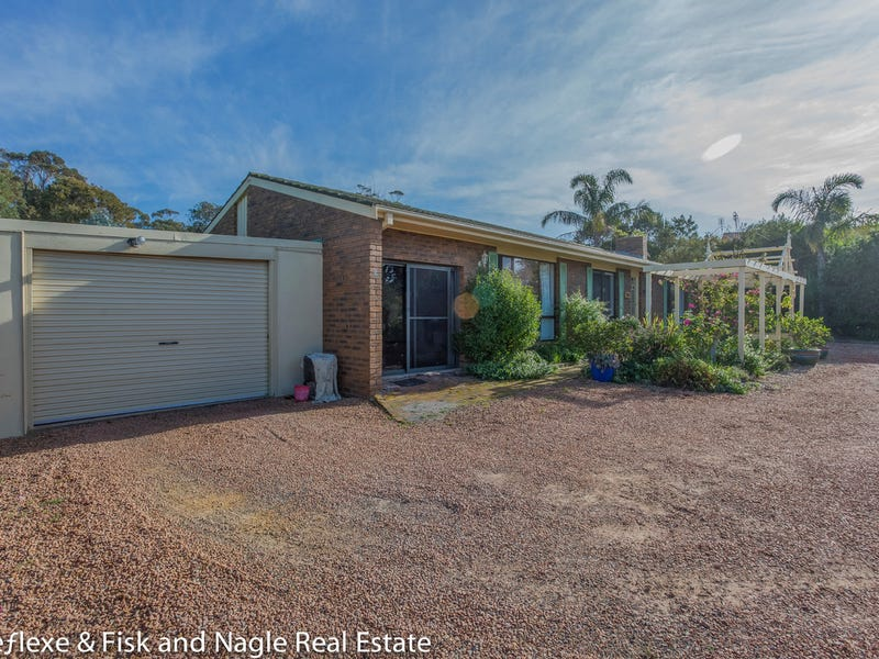 11 Hakea Place, Tura Beach, NSW 2548
