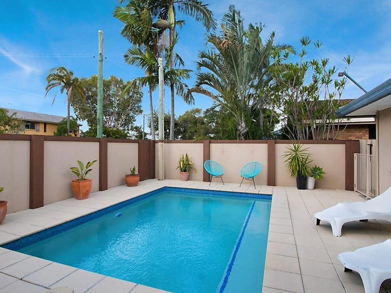 82 Twenty Fifth Avenue, Palm Beach, Qld 4221