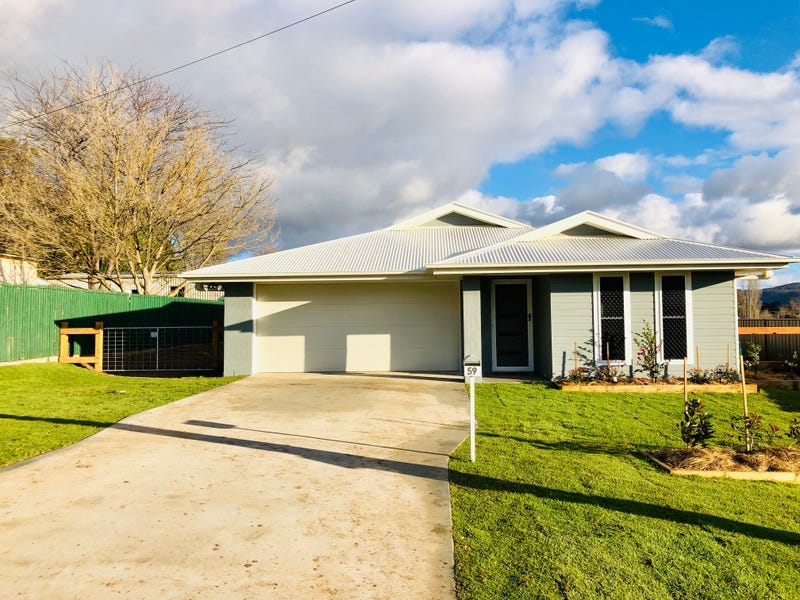 59 Derby Street, Tenterfield, NSW 2372