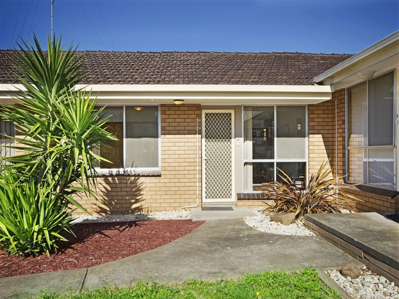 4/54 Ballarat Road, Hamlyn Heights, Vic 3215