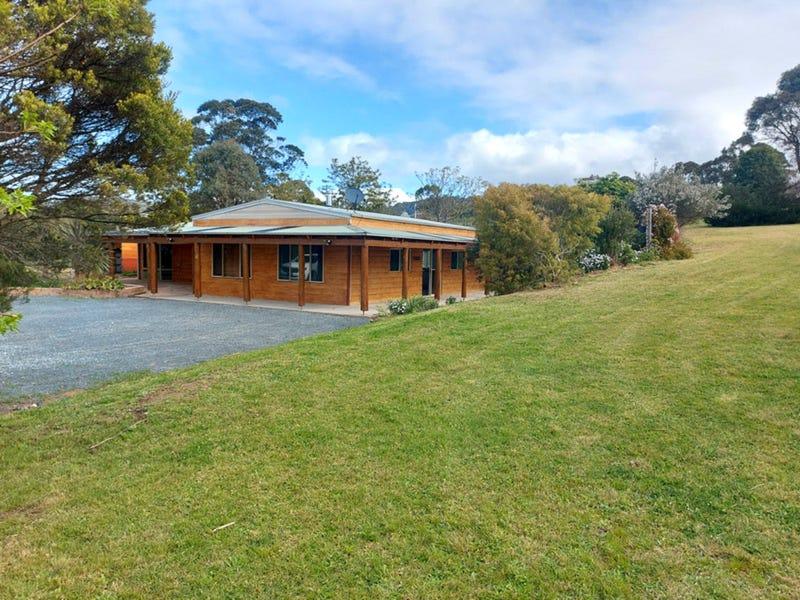 11 Narrawa Place, Bega, NSW 2550