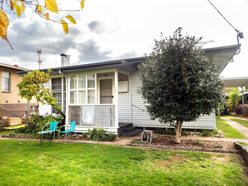 5 Roper Street, Mount Beauty, Vic 3699