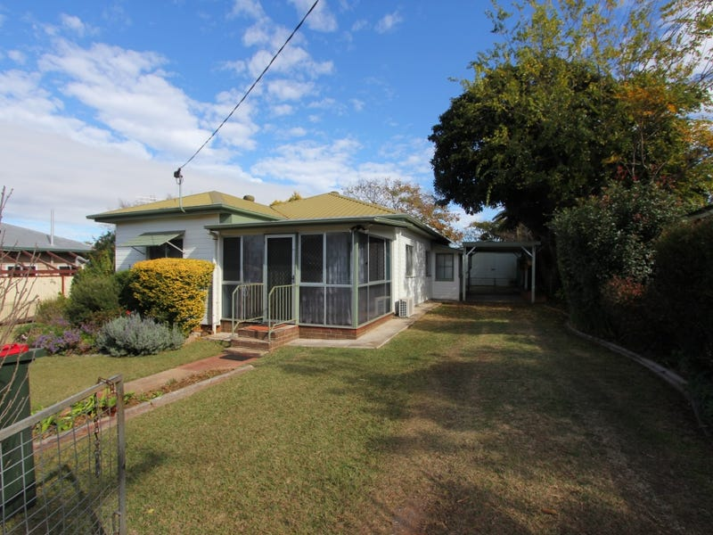 11 Norman St, Kingaroy, Qld 4610