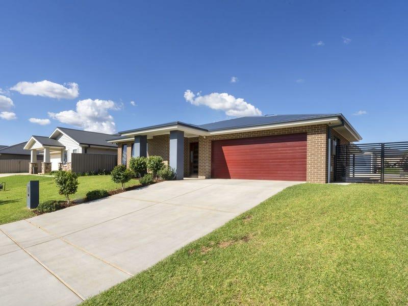 13 Sturrock Drive, Boorooma, NSW 2650