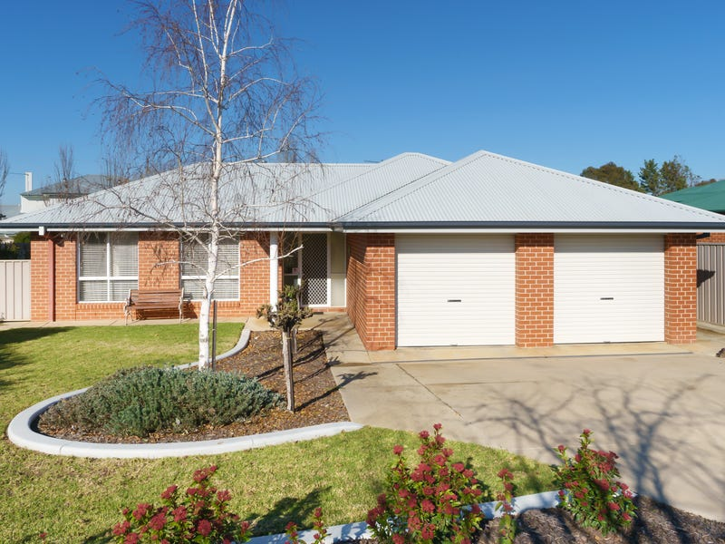 13 Fitzroy Street, Tatton, NSW 2650