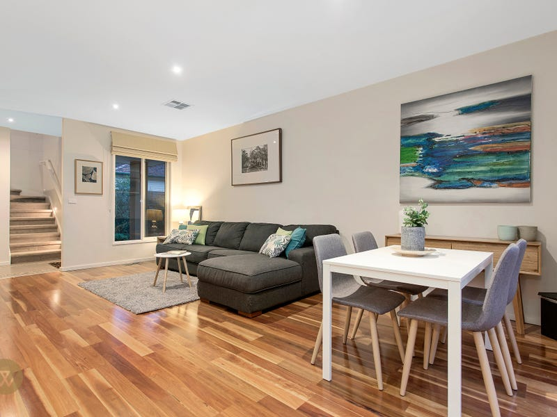 2/56 Hull Road, Croydon, Vic 3136
