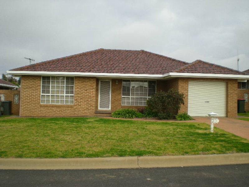 2/9 Ken Payne Place, Parkes, NSW 2870