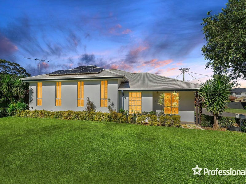 17 Colleen Avenue, Picnic Point, NSW 2213