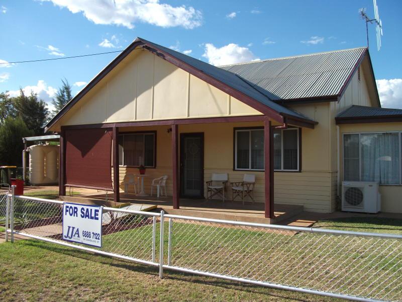 66 Narromine St, Trangie, NSW 2823