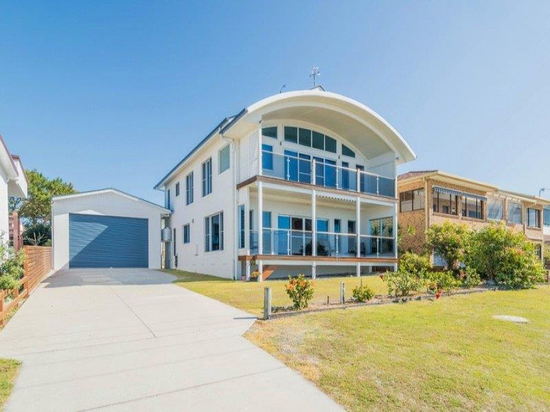 25 Waratah Crescent, Minnie Water, NSW 2462