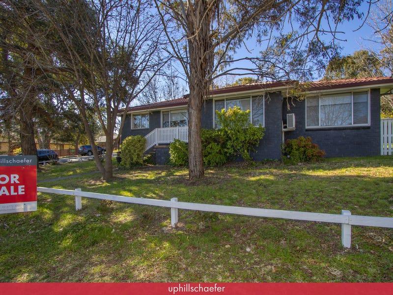 13 Carey Avenue, Armidale, NSW 2350