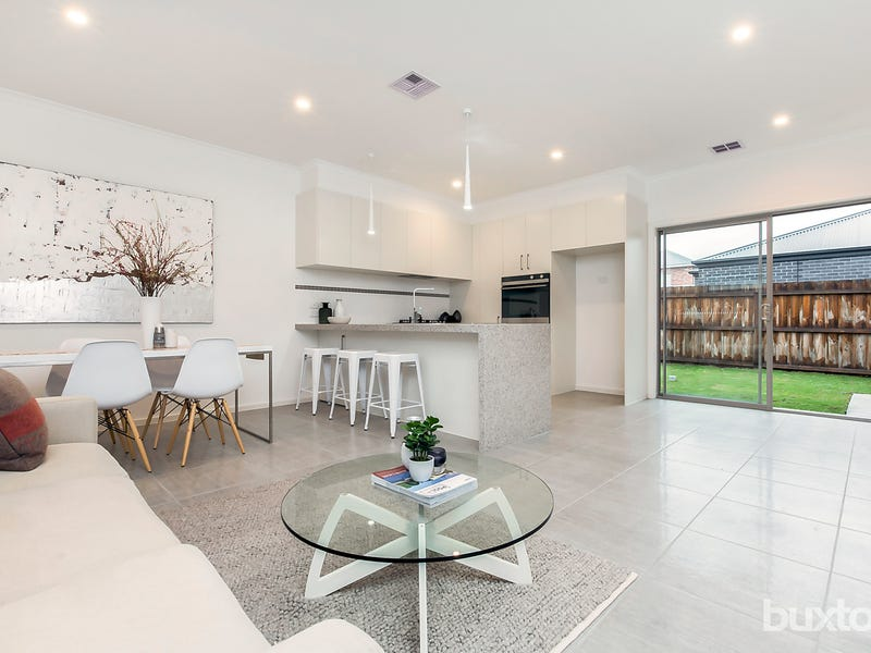 1/9 Toyne Avenue, Hamlyn Heights, Vic 3215