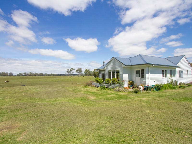 7 WALLENBERG COURT, Devon North, Vic 3971