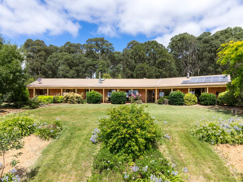 34 Reserve East Road, Mount Egerton, Vic 3352