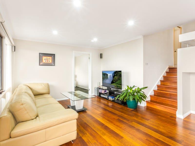 77 Laurina Ave, Yarrawarrah, NSW 2233