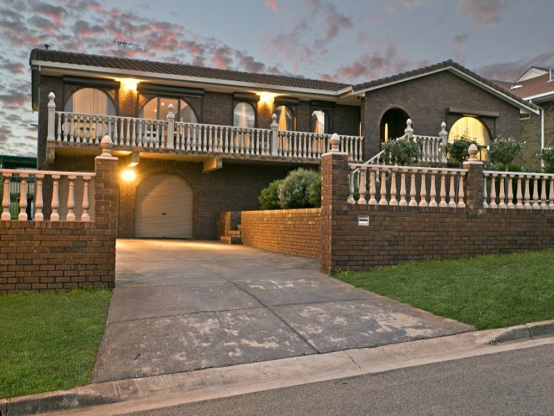 472 Nelson Road, Gulfview Heights
