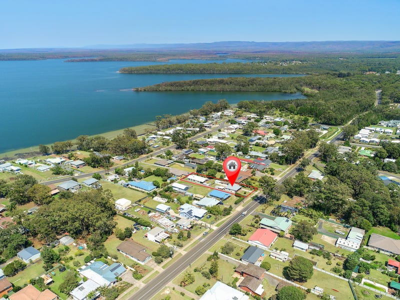 17 TASMAN ROAD, St Georges Basin, NSW 2540