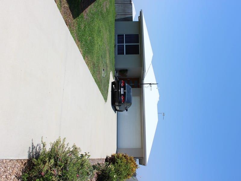 4 Flintwood Street, Rural View, Qld 4740