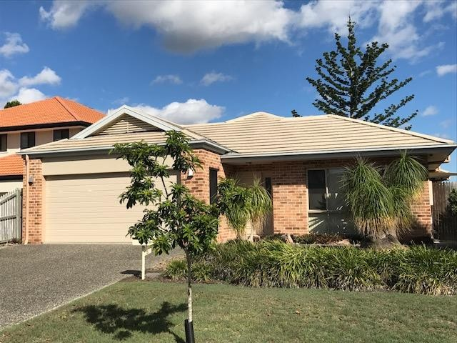 5 Holland place, Carindale, Qld 4152