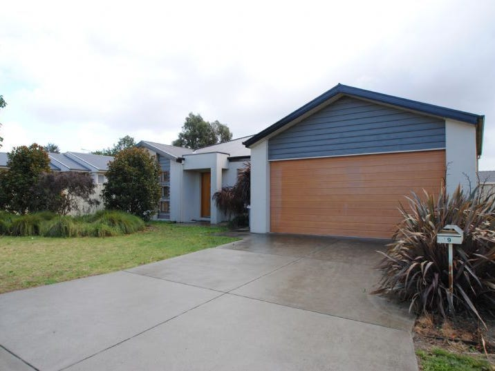 9 PARKSIDE CLOSE, Leongatha, Vic 3953