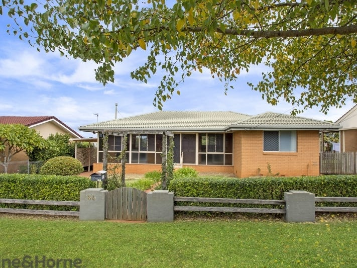 64 Knockator Crescent, Centenary Heights, Qld 4350