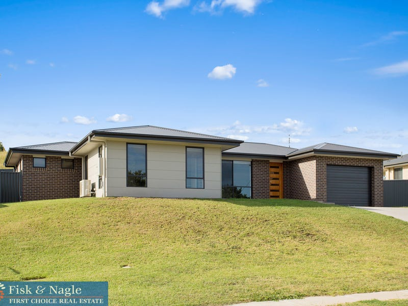 38 Howard Avenue, Bega, NSW 2550